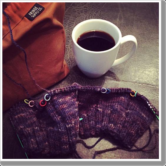 airport-knitting